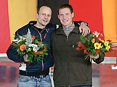 Subject: Alexander Baumgärtel, Michael Künzel Abschied von 2 Spitzensportlern; Tags: Sport, Siegerehrung, Victory ceremony, Preisverleihung, Ehrung, Award ceremony, Award, Prize Giving, Michael Künzel, Herren, Men, Gentlemen, Mann, Männer, Gents, Sirs, Mister, GER, Germany, Deutschland, Eisschnelllauf, Speed skating, Schaatsen, Ehemalige, Detail, Athlet, Athlete, Sportler, Wettkämpfer, Sportsman, Alexander Baumgärtel; PhotoID: 2005-10-29-0428