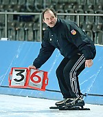 Subject: Uwe Sauerteig; Tags: Uwe Sauerteig, Trainer, Coach, Betreuer, Sport, GER, Germany, Deutschland, Eisschnelllauf, Speed skating, Schaatsen, Detail, Coaching; PhotoID: 2007-02-03-5700