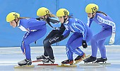 Subject: Elisa Lenke, Giulia Giordano, Saskia van Hoeven; Tags: Sport, Shorttrack, Short Track, Saskia van Hoeven, NED, Netherlands, Niederlande, Holland, Dutch, ITA, Italy, Italien, Giulia Giordano, GER, Germany, Deutschland, Elisa Lenke, Damen, Ladies, Frau, Mesdames, Female, Women, Athlet, Athlete, Sportler, Wettkämpfer, Sportsman; PhotoID: 2008-12-13-0088