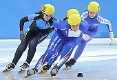 Subject: Giulia Giordano, Rosalie Huisman, Saskia van Hoeven; Tags: Sport, Shorttrack, Short Track, Saskia van Hoeven, Rosalie Huisman, NED, Netherlands, Niederlande, Holland, Dutch, ITA, Italy, Italien, Giulia Giordano, Damen, Ladies, Frau, Mesdames, Female, Women, Athlet, Athlete, Sportler, Wettkämpfer, Sportsman; PhotoID: 2008-12-13-0089