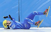 Subject: Bianca Walter; Tags: Sturz, Fall, Hinfallen, Stürzen, Downfall, Sport, Shorttrack, Short Track, GER, Germany, Deutschland, Detail, Damen, Ladies, Frau, Mesdames, Female, Women, Bianca Walter, Athlet, Athlete, Sportler, Wettkämpfer, Sportsman; PhotoID: 2008-12-13-0196
