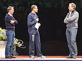 Subject: Jochem Uytdehaage, Erben Wennemars, Rintje Ritsma; Tags: Sport, Show, Entertainment, Programm, Rahmenprogramm, Unterhaltung, Rintje Ritsma, NED, Netherlands, Niederlande, Holland, Dutch, Jochem Uytdehaage, Herren, Men, Gentlemen, Mann, Männer, Gents, Sirs, Mister, Gesichter, Face, Close up, Antlitz, Konterfei, Visage, Erben Wennemars, Eisschnelllauf, Speed skating, Schaatsen, Detail, Athlet, Athlete, Sportler, Wettkämpfer, Sportsman; PhotoID: 2009-01-10-2605