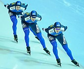 Subject: Aleksej Bondartsjuk, Fedor Mezentsev, Jevgenij Nazarenko; Tags: Team, Team Pursuit, Mannschaftslauf, Verfolgungsrennen, Jagdrennen, Mannschaftsverfolgung, Teamverfolgung, Sport, KAZ, Kazakhstan, Kasachstan, Jevgenij Nazarenko, Herren, Men, Gentlemen, Mann, Männer, Gents, Sirs, Mister, Fjodor Mezentsev, Eisschnelllauf, Speed skating, Schaatsen, Detail, Athlet, Athlete, Sportler, Wettkämpfer, Sportsman, Aleksej Bondartsjuk; PhotoID: 2009-02-01-0481