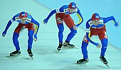 Subject: Cristian Mustăţea, Marian Cristian Ion, Valentin Antonio Anghel; Tags: Valentin Antonio Anghel, Team, Team Pursuit, Mannschaftslauf, Verfolgungsrennen, Jagdrennen, Mannschaftsverfolgung, Teamverfolgung, Sport, ROU, Romania, Rumänien, Marian Cristian Ion, Herren, Men, Gentlemen, Mann, Männer, Gents, Sirs, Mister, Eisschnelllauf, Speed skating, Schaatsen, Detail, Cristian Mustatea, Athlet, Athlete, Sportler, Wettkämpfer, Sportsman; PhotoID: 2009-02-01-0494