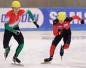 Subject: Péter Darázs, Sebastian Praus; Tags: Start, Starting, Sport, Shorttrack, Short Track, Sebastian Praus, Péter Darázs, Herren, Men, Gentlemen, Mann, Männer, Gents, Sirs, Mister, HUN, Hungary, Ungarn, GER, Germany, Deutschland, Detail, Athlet, Athlete, Sportler, Wettkämpfer, Sportsman; PhotoID: 2009-02-13-1954