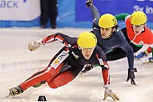 Subject: Anthony Lobello, François Hamelin; Tags: USA, United States, Vereinigte Staaten von Amerika, Sport, Shorttrack, Short Track, Herren, Men, Gentlemen, Mann, Männer, Gents, Sirs, Mister, François Hamelin, CAN, Canada, Kanada, Athlet, Athlete, Sportler, Wettkämpfer, Sportsman, Anthony Lobello; PhotoID: 2009-02-14-0225