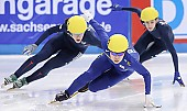 Subject: Eun-Ju Jung, Katherine Reutter, Kimberly Derrick; Tags: USA, United States, Vereinigte Staaten von Amerika, Sport, Shorttrack, Short Track, Kimberly Derrick, Katherine Reutter, KOR, South Korea, Südkorea, Eun-Ju Jung, Damen, Ladies, Frau, Mesdames, Female, Women, Athlet, Athlete, Sportler, Wettkämpfer, Sportsman; PhotoID: 2009-02-15-1462