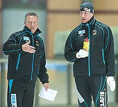 Subject: Frank Steiner, Klaus Ebert; Tags: Trainer, Coach, Betreuer, Sport, Klaus Ebert, Herren, Men, Gentlemen, Mann, Männer, Gents, Sirs, Mister, GER, Germany, Deutschland, Frank Steiner, Eisschnelllauf, Speed skating, Schaatsen, Detail, Coaching, Athlet, Athlete, Sportler, Wettkämpfer, Sportsman; PhotoID: 2009-10-14-1047