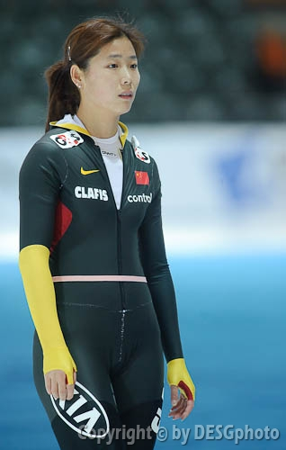 Feifei Dong; Tags: Sport, Gesichter, Face, Close up, Antlitz, Konterfei, Visage, Feifei Dong, Eisschnelllauf, Speed skating, Schaatsen, Detail, Damen, Ladies, Frau, Mesdames, Female, Women, CHN, China, Volksrepublik China, Athlet, Athlete, Sportler, Wettkämpfer, Sportsman; PhotoID: 2009-11-08-0444