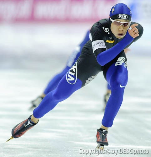 Joon Moon; Tags: Sport, KOR, South Korea, Südkorea, Joon Moon, Herren, Men, Gentlemen, Mann, Männer, Gents, Sirs, Mister, Eisschnelllauf, Speed skating, Schaatsen, Athlet, Athlete, Sportler, Wettkämpfer, Sportsman; PhotoID: 2009-11-15-0709