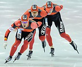 Subject: Jörg Dallmann, Stefan Heythausen, Tobias Schneider; Tags: Tobias Schneider, Team, Team Pursuit, Mannschaftslauf, Verfolgungsrennen, Jagdrennen, Mannschaftsverfolgung, Teamverfolgung, Stefan Heythausen, Sport, Jörg Dallmann, Herren, Men, Gentlemen, Mann, Männer, Gents, Sirs, Mister, GER, Germany, Deutschland, Eisschnelllauf, Speed skating, Schaatsen, Ehemalige, Detail, Athlet, Athlete, Sportler, Wettkämpfer, Sportsman; PhotoID: 2009-11-15-0942