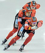 Subject: Jörg Dallmann, Stefan Heythausen, Tobias Schneider; Tags: Tobias Schneider, Team, Team Pursuit, Mannschaftslauf, Verfolgungsrennen, Jagdrennen, Mannschaftsverfolgung, Teamverfolgung, Stefan Heythausen, Sport, Jörg Dallmann, Herren, Men, Gentlemen, Mann, Männer, Gents, Sirs, Mister, GER, Germany, Deutschland, Eisschnelllauf, Speed skating, Schaatsen, Ehemalige, Detail, Athlet, Athlete, Sportler, Wettkämpfer, Sportsman; PhotoID: 2009-11-15-0945