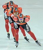 Subject: Jörg Dallmann, Stefan Heythausen, Tobias Schneider; Tags: Tobias Schneider, Team, Team Pursuit, Mannschaftslauf, Verfolgungsrennen, Jagdrennen, Mannschaftsverfolgung, Teamverfolgung, Stefan Heythausen, Sport, Jörg Dallmann, Herren, Men, Gentlemen, Mann, Männer, Gents, Sirs, Mister, GER, Germany, Deutschland, Eisschnelllauf, Speed skating, Schaatsen, Ehemalige, Detail, Athlet, Athlete, Sportler, Wettkämpfer, Sportsman; PhotoID: 2009-11-15-0954