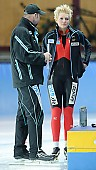 Subject: André Hoffmann, Dominique Thomas; Tags: Trainer, Coach, Betreuer, Sport, GER, Germany, Deutschland, Eisschnelllauf, Speed skating, Schaatsen, Ehemalige, Dominique Thomas, Damen, Ladies, Frau, Mesdames, Female, Women, Athlet, Athlete, Sportler, Wettkämpfer, Sportsman, André Hoffmann; PhotoID: 2010-01-09-0137