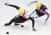 Subject: Evgeny Kozulin, Jakub Jaworski; Tags: Sport, Shorttrack, Short Track, RUS, Russian Federation, Russische Föderation, Russia, POL, Poland, Polen, Jakub Jaworski, Herren, Men, Gentlemen, Mann, Männer, Gents, Sirs, Mister, Evgeny Kozulin, Athlet, Athlete, Sportler, Wettkämpfer, Sportsman; PhotoID: 2010-01-23-4969
