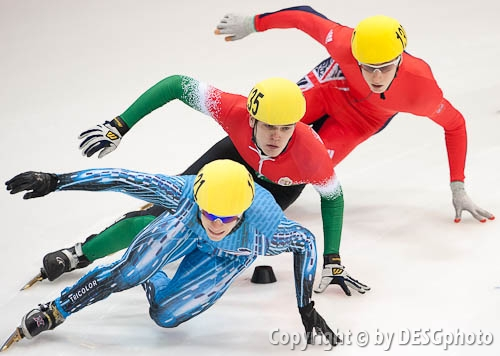 Anthony Douglas, Maxime Chataignier, Viktor Knoch; Tags: Viktor Knoch, Sport, Shorttrack, Short Track, Maxime Chataignier, Herren, Men, Gentlemen, Mann, Männer, Gents, Sirs, Mister, HUN, Hungary, Ungarn, GBR, United Kingdom, Vereinigtes Königreich Großbritannien, Great Britan, FRA, France, Frankreich, Athlet, Athlete, Sportler, Wettkämpfer, Sportsman, Anthony Douglas; PhotoID: 2010-01-23-5025