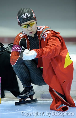 Chunyan Fu; Tags: Athlet, Athlete, Sportler, Wettkämpfer, Sportsman, CHN, China, Volksrepublik China, Chunyan Fu, Damen, Ladies, Frau, Mesdames, Female, Women, Eisschnelllauf, Speed skating, Schaatsen, Sport; PhotoID: 2010-11-14-0126