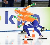 Subject: Annette Gerritsen, Laurine van Riessen; Tags: Annette Gerritsen, Athlet, Athlete, Sportler, Wettkämpfer, Sportsman, Damen, Ladies, Frau, Mesdames, Female, Women, Eisschnelllauf, Speed skating, Schaatsen, Laurine van Riessen, NED, Netherlands, Niederlande, Holland, Dutch, Sport; PhotoID: 2012-03-10-0037