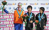 Subject: Gerben Jorritsma, Junya Miwa, Yuuto Fujino; Tags: Sport, Siegerehrung, Victory ceremony, Preisverleihung, Ehrung, Award ceremony, Award, Prize Giving, Eisschnelllauf, Speed skating, Schaatsen, Detail; PhotoID: 2013-02-16-0248