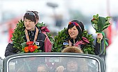 Subject: Jeong-Soo Seo, Miho Takagi; Tags: Sport, Siegerehrung, Victory ceremony, Preisverleihung, Ehrung, Award ceremony, Award, Prize Giving, Miho Takagi, KOR, South Korea, Südkorea, Jeong-Soo Seo, JPN, Japan, Nippon, Herren, Men, Gentlemen, Mann, Männer, Gents, Sirs, Mister, Eisschnelllauf, Speed skating, Schaatsen, Detail, Damen, Ladies, Frau, Mesdames, Female, Women, Athlet, Athlete, Sportler, Wettkämpfer, Sportsman; PhotoID: 2013-02-24-0479