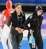 Subject: Denise Roth, Yvonne Daldossi; Tags: Athlet, Athlete, Sportler, Wettkämpfer, Sportsman, Damen, Ladies, Frau, Mesdames, Female, Women, Denise Roth, Eisschnelllauf, Speed skating, Schaatsen, GER, Germany, Deutschland, ITA, Italy, Italien, Sport, Yvonne Daldossi; PhotoID: 2013-12-06-0096