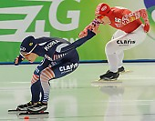 Subject: Hyeon-Yeong Kim, Julija Litejkina; Tags: Athlet, Athlete, Sportler, Wettkämpfer, Sportsman, Damen, Ladies, Frau, Mesdames, Female, Women, Eisschnelllauf, Speed skating, Schaatsen, Hyeon-Yeong Kim, Julija Litejkina, KOR, South Korea, Südkorea, RUS, Russian Federation, Russische Föderation, Russia, Sport; PhotoID: 2013-12-07-0036
