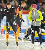 Subject: Samuel Schwarz, Tae-Beom Mo; Tags: Athlet, Athlete, Sportler, Wettkämpfer, Sportsman, Eisschnelllauf, Speed skating, Schaatsen, GER, Germany, Deutschland, Herren, Men, Gentlemen, Mann, Männer, Gents, Sirs, Mister, KOR, South Korea, Südkorea, Samuel Schwarz, Sport, Tae-Beom Mo; PhotoID: 2013-12-07-0508