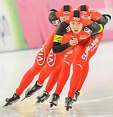 Subject: Guojun Tian, Longjiang Sun, Yan Liu; Tags: Guojun Tian, Eisschnelllauf, Speed skating, Schaatsen, CHN, China, Volksrepublik China, Athlet, Athlete, Sportler, Wettkämpfer, Sportsman, Herren, Men, Gentlemen, Mann, Männer, Gents, Sirs, Mister, Longjiang Sun, Sport, Yan Liu; PhotoID: 2013-12-07-0885