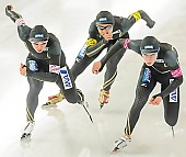 Subject: Seitaro Ichinohe, Shane Williamson, Shota Nakamura; Tags: Sport, Shouta Nakamura, Shane Williamson, Seitaro Ichinohe, JPN, Japan, Nippon, Herren, Men, Gentlemen, Mann, Männer, Gents, Sirs, Mister, Eisschnelllauf, Speed skating, Schaatsen, Athlet, Athlete, Sportler, Wettkämpfer, Sportsman; PhotoID: 2013-12-07-0898