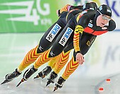 Subject: Claudia Pechstein, Jennifer Bay, Monique Angermüller; Tags: Athlet, Athlete, Sportler, Wettkämpfer, Sportsman, Claudia Pechstein, Damen, Ladies, Frau, Mesdames, Female, Women, Detail, Eisschnelllauf, Speed skating, Schaatsen, GER, Germany, Deutschland, Jennifer Bay, Monique Angermüller, Sport, Team, Team Pursuit, Mannschaftslauf, Verfolgungsrennen, Jagdrennen, Mannschaftsverfolgung, Teamverfolgung; PhotoID: 2013-12-08-0681