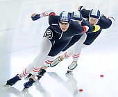 Subject: Armin Hager, Bram Smallenbroek, Linus Heidegger; Tags: AUT, Austria, Österreich, Armin Hager, Athlet, Athlete, Sportler, Wettkämpfer, Sportsman, Bram Smallenbroek, Detail, Eisschnelllauf, Speed skating, Schaatsen, Herren, Men, Gentlemen, Mann, Männer, Gents, Sirs, Mister, Linus Heidegger, NED, Netherlands, Niederlande, Holland, Dutch, Sport, Team, Team Pursuit, Mannschaftslauf, Verfolgungsrennen, Jagdrennen, Mannschaftsverfolgung, Teamverfolgung; PhotoID: 2014-12-05-1700