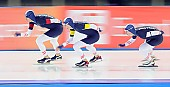Subject: Armin Hager, Bram Smallenbroek, Linus Heidegger; Tags: AUT, Austria, Österreich, Armin Hager, Athlet, Athlete, Sportler, Wettkämpfer, Sportsman, Bram Smallenbroek, Detail, Eisschnelllauf, Speed skating, Schaatsen, Herren, Men, Gentlemen, Mann, Männer, Gents, Sirs, Mister, Linus Heidegger, NED, Netherlands, Niederlande, Holland, Dutch, Sport, Team, Team Pursuit, Mannschaftslauf, Verfolgungsrennen, Jagdrennen, Mannschaftsverfolgung, Teamverfolgung; PhotoID: 2014-12-05-1707