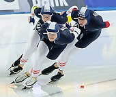 Subject: Armin Hager, Bram Smallenbroek, Linus Heidegger; Tags: AUT, Austria, Österreich, Armin Hager, Athlet, Athlete, Sportler, Wettkämpfer, Sportsman, Bram Smallenbroek, Detail, Eisschnelllauf, Speed skating, Schaatsen, Herren, Men, Gentlemen, Mann, Männer, Gents, Sirs, Mister, Linus Heidegger, NED, Netherlands, Niederlande, Holland, Dutch, Sport, Team, Team Pursuit, Mannschaftslauf, Verfolgungsrennen, Jagdrennen, Mannschaftsverfolgung, Teamverfolgung; PhotoID: 2014-12-05-1711