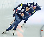 Subject: Byeong-Wook Ko, Cheol-Min Kim, Seung-Hoon.88 Lee; Tags: Athlet, Athlete, Sportler, Wettkämpfer, Sportsman, Byeong-Wook Ko, Cheol-Min Kim, Detail, Eisschnelllauf, Speed skating, Schaatsen, Herren, Men, Gentlemen, Mann, Männer, Gents, Sirs, Mister, KOR, South Korea, Südkorea, Seung-Hoon Lee, Sport, Team, Team Pursuit, Mannschaftslauf, Verfolgungsrennen, Jagdrennen, Mannschaftsverfolgung, Teamverfolgung; PhotoID: 2014-12-05-1727