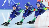 Subject: Ireen Wüst, Marije Joling, Marrit Leenstra; Tags: Athlet, Athlete, Sportler, Wettkämpfer, Sportsman, Damen, Ladies, Frau, Mesdames, Female, Women, Detail, Eisschnelllauf, Speed skating, Schaatsen, Ireen Wüst, Marije Joling, Marrit Leenstra, NED, Netherlands, Niederlande, Holland, Dutch, Sport, Team, Team Pursuit, Mannschaftslauf, Verfolgungsrennen, Jagdrennen, Mannschaftsverfolgung, Teamverfolgung; PhotoID: 2014-12-06-2353