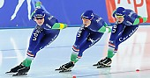 Subject: Ireen Wüst, Marije Joling, Marrit Leenstra; Tags: Athlet, Athlete, Sportler, Wettkämpfer, Sportsman, Damen, Ladies, Frau, Mesdames, Female, Women, Detail, Eisschnelllauf, Speed skating, Schaatsen, Ireen Wüst, Marije Joling, Marrit Leenstra, NED, Netherlands, Niederlande, Holland, Dutch, Sport, Team, Team Pursuit, Mannschaftslauf, Verfolgungsrennen, Jagdrennen, Mannschaftsverfolgung, Teamverfolgung; PhotoID: 2014-12-06-2424