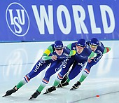 Subject: Ireen Wüst, Marije Joling, Marrit Leenstra; Tags: Athlet, Athlete, Sportler, Wettkämpfer, Sportsman, Damen, Ladies, Frau, Mesdames, Female, Women, Detail, Eisschnelllauf, Speed skating, Schaatsen, Ireen Wüst, Marije Joling, Marrit Leenstra, NED, Netherlands, Niederlande, Holland, Dutch, Sport, Team, Team Pursuit, Mannschaftslauf, Verfolgungsrennen, Jagdrennen, Mannschaftsverfolgung, Teamverfolgung; PhotoID: 2014-12-06-2429