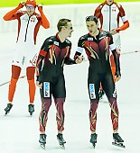 Subject: Alexej Baumgärtner, Marco Weber; Tags: Alexej Baumgärtner, Athlet, Athlete, Sportler, Wettkämpfer, Sportsman, Detail, Eisschnelllauf, Speed skating, Schaatsen, GER, Germany, Deutschland, Herren, Men, Gentlemen, Mann, Männer, Gents, Sirs, Mister, Marco Weber, Sport, Team, Team Pursuit, Mannschaftslauf, Verfolgungsrennen, Jagdrennen, Mannschaftsverfolgung, Teamverfolgung; PhotoID: 2015-02-13-0586