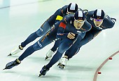 Subject: Byeong-Wook Ko, Cheol-Min Kim, Seung-Hoon.88 Lee; Tags: Athlet, Athlete, Sportler, Wettkämpfer, Sportsman, Byeong-Wook Ko, Cheol-Min Kim, Detail, Eisschnelllauf, Speed skating, Schaatsen, Herren, Men, Gentlemen, Mann, Männer, Gents, Sirs, Mister, KOR, South Korea, Südkorea, Seung-Hoon Lee, Sport, Team, Team Pursuit, Mannschaftslauf, Verfolgungsrennen, Jagdrennen, Mannschaftsverfolgung, Teamverfolgung; PhotoID: 2015-02-13-0612