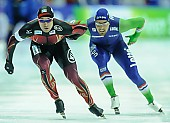 Subject: Kjeld Nuis, Samuel Schwarz; Tags: Athlet, Athlete, Sportler, Wettkämpfer, Sportsman, Eisschnelllauf, Speed skating, Schaatsen, GER, Germany, Deutschland, Herren, Men, Gentlemen, Mann, Männer, Gents, Sirs, Mister, Kjeld Nuis, NED, Netherlands, Niederlande, Holland, Dutch, Samuel Schwarz, Sport; PhotoID: 2015-02-14-0546
