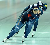 Subject: Bo-Reum Kim, Seon-Yeong No, Ye-Jin Jeon; Tags: Athlet, Athlete, Sportler, Wettkämpfer, Sportsman, Bo-Reum Kim, Damen, Ladies, Frau, Mesdames, Female, Women, Detail, Eisschnelllauf, Speed skating, Schaatsen, KOR, South Korea, Südkorea, Seon-Yeong No, Sport, Team, Team Pursuit, Mannschaftslauf, Verfolgungsrennen, Jagdrennen, Mannschaftsverfolgung, Teamverfolgung, Ye-Jin Jun; PhotoID: 2015-02-14-0655