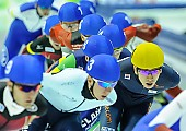 Subject: Bart Swings, Seung-Hoon.88 Lee; Tags: Athlet, Athlete, Sportler, Wettkämpfer, Sportsman, BEL, Belgium, Belgien, Bart Swings, Detail, Eisschnelllauf, Speed skating, Schaatsen, Herren, Men, Gentlemen, Mann, Männer, Gents, Sirs, Mister, KOR, South Korea, Südkorea, Mass Start, Seung-Hoon Lee, Sport; PhotoID: 2015-02-15-0572