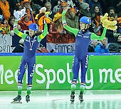 Subject: Arjan Stroetinga, Jorrit Bergsma; Tags: Arjan Stroetinga, Athlet, Athlete, Sportler, Wettkämpfer, Sportsman, Detail, Eisschnelllauf, Speed skating, Schaatsen, Emotion, Emotion, Gefühle, Empfindung, Sentiment, Feeling, Sensation, Passion, Freude, Pleasure, Jubel, Lachen, Glücklich, Glück, Smile, Luck, Lucky, Herren, Men, Gentlemen, Mann, Männer, Gents, Sirs, Mister, Jorrit Bergsma, Mass Start, NED, Netherlands, Niederlande, Holland, Dutch, Sport; PhotoID: 2015-02-15-0621