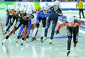 Subject: Bente Pflug, Bo-Reum Kim; Tags: Athlet, Athlete, Sportler, Wettkämpfer, Sportsman, Bente Kraus, Bo-Reum Kim, Damen, Ladies, Frau, Mesdames, Female, Women, Detail, Eisschnelllauf, Speed skating, Schaatsen, GER, Germany, Deutschland, KOR, South Korea, Südkorea, Mass Start, Sport; PhotoID: 2015-02-15-0667