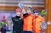 Subject: Bob de Jong, Jorrit Bergsma, Sverre Lunde Pedersen; Tags: Athlet, Athlete, Sportler, Wettkämpfer, Sportsman, Bob de Jong, Detail, Eisschnelllauf, Speed skating, Schaatsen, Herren, Men, Gentlemen, Mann, Männer, Gents, Sirs, Mister, Jorrit Bergsma, NED, Netherlands, Niederlande, Holland, Dutch, NOR, Norway, Norwegen, Objekte, Object, Gegenstand, Sache, Ding, Element, Thing, Entity, Unit, Pokal, Siegerehrung, Victory ceremony, Preisverleihung, Ehrung, Award ceremony, Award, Prize Giving, Sport, Sverre Lunde Pedersen; PhotoID: 2015-03-21-0453