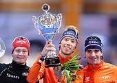 Subject: Bob de Jong, Jorrit Bergsma, Sverre Lunde Pedersen; Tags: Athlet, Athlete, Sportler, Wettkämpfer, Sportsman, Bob de Jong, Detail, Eisschnelllauf, Speed skating, Schaatsen, Herren, Men, Gentlemen, Mann, Männer, Gents, Sirs, Mister, Jorrit Bergsma, NED, Netherlands, Niederlande, Holland, Dutch, NOR, Norway, Norwegen, Objekte, Object, Gegenstand, Sache, Ding, Element, Thing, Entity, Unit, Pokal, Siegerehrung, Victory ceremony, Preisverleihung, Ehrung, Award ceremony, Award, Prize Giving, Sport, Sverre Lunde Pedersen; PhotoID: 2015-03-21-0456
