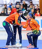 Subject: Diane Valkenburg, Marije Joling, Martina Sáblíková; Tags: Athlet, Athlete, Sportler, Wettkämpfer, Sportsman, CZE, Czech Republic, Tschechische Republik, Tschechien, Damen, Ladies, Frau, Mesdames, Female, Women, Detail, Diane Valkenburg, Eisschnelllauf, Speed skating, Schaatsen, Marije Joling, Martina Sablikova, NED, Netherlands, Niederlande, Holland, Dutch, Siegerehrung, Victory ceremony, Preisverleihung, Ehrung, Award ceremony, Award, Prize Giving, Sport; PhotoID: 2015-03-22-0127