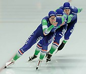 Subject: Arjan Stroetinga, Douwe de Vries, Jan Blokhuijsen; Tags: Arjan Stroetinga, Athlet, Athlete, Sportler, Wettkämpfer, Sportsman, Detail, Douwe de Vries, Eisschnelllauf, Speed skating, Schaatsen, Herren, Men, Gentlemen, Mann, Männer, Gents, Sirs, Mister, Jan Blokhuijsen, NED, Netherlands, Niederlande, Holland, Dutch, Sport, Team, Team Pursuit, Mannschaftslauf, Verfolgungsrennen, Jagdrennen, Mannschaftsverfolgung, Teamverfolgung; PhotoID: 2015-12-04-0650