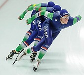 Subject: Arjan Stroetinga, Douwe de Vries, Jan Blokhuijsen; Tags: Arjan Stroetinga, Athlet, Athlete, Sportler, Wettkämpfer, Sportsman, Detail, Douwe de Vries, Eisschnelllauf, Speed skating, Schaatsen, Herren, Men, Gentlemen, Mann, Männer, Gents, Sirs, Mister, Jan Blokhuijsen, NED, Netherlands, Niederlande, Holland, Dutch, Sport, Team, Team Pursuit, Mannschaftslauf, Verfolgungsrennen, Jagdrennen, Mannschaftsverfolgung, Teamverfolgung; PhotoID: 2015-12-04-0651