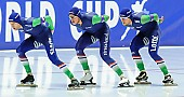 Subject: Arjan Stroetinga, Douwe de Vries, Jan Blokhuijsen; Tags: Arjan Stroetinga, Athlet, Athlete, Sportler, Wettkämpfer, Sportsman, Detail, Douwe de Vries, Eisschnelllauf, Speed skating, Schaatsen, Herren, Men, Gentlemen, Mann, Männer, Gents, Sirs, Mister, Jan Blokhuijsen, NED, Netherlands, Niederlande, Holland, Dutch, Sport, Team, Team Pursuit, Mannschaftslauf, Verfolgungsrennen, Jagdrennen, Mannschaftsverfolgung, Teamverfolgung; PhotoID: 2015-12-04-0656
